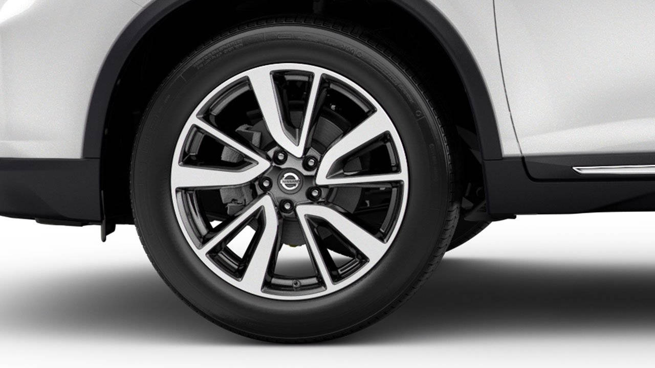 2018-nissan-rogue-crossover-alloy-wheels-large.jpg